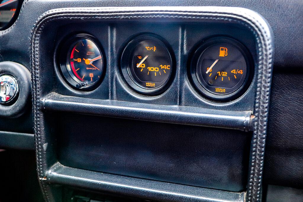 Ferrari 328 GTS interieur