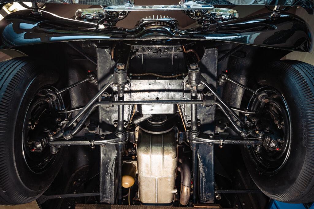 Jaguar XK 120 OTS 3.4 Special Edition bodem